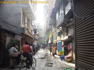Nepal Informationen - Spannende Eindrücke - Enge Gassen sind in Nepal keine Seltenheit.