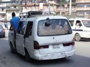 Nepal Verkehr - Öffentliche Verkehrsmittel: Microbus