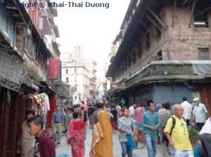 Das sehr belebte Stadtzentrum zieht viele Einheimische und Touristen an.