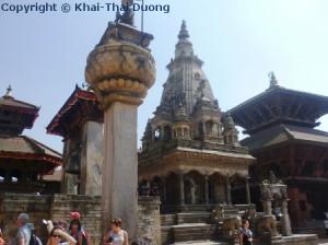 Viele Tempel, Statuen, Pakoden, Säulen und Schreine finden sich im Bhaktapur Durbar Square.