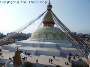 Boudhanath Stupa ist das Zentrum des tibetischen Buddhismus in Kathmandu.