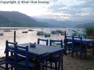Restaurants am Phewa Lake - ein Ruhepol mit toller Aussicht.