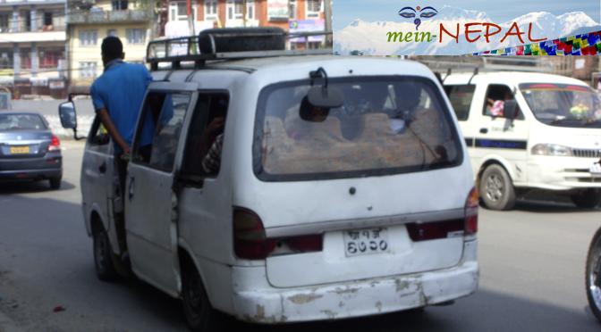 Erfahrungsbericht aus Nepal - Busse in Kathmandu.
