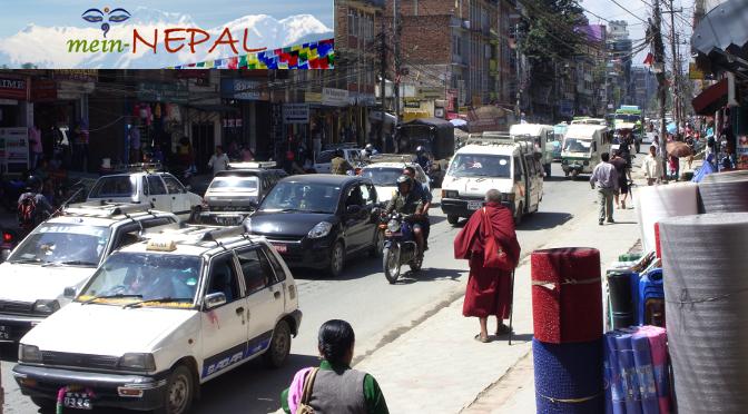 Der Straßenverkehr in Nepal ist chaotisch und gefährlich.