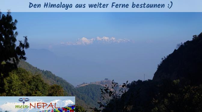Während des Winters in Nepal kann man bei klarer Sicht den Himalaya in weiter Ferne bestaunen.